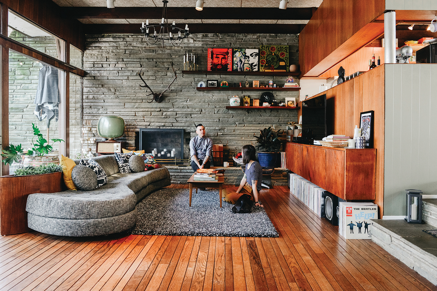 When house hunting, Chris Barker and Jane Hallinan were seeking character over location, and what they found was a Mid-Century retreat with preserved character and a plot of land worth protecting.