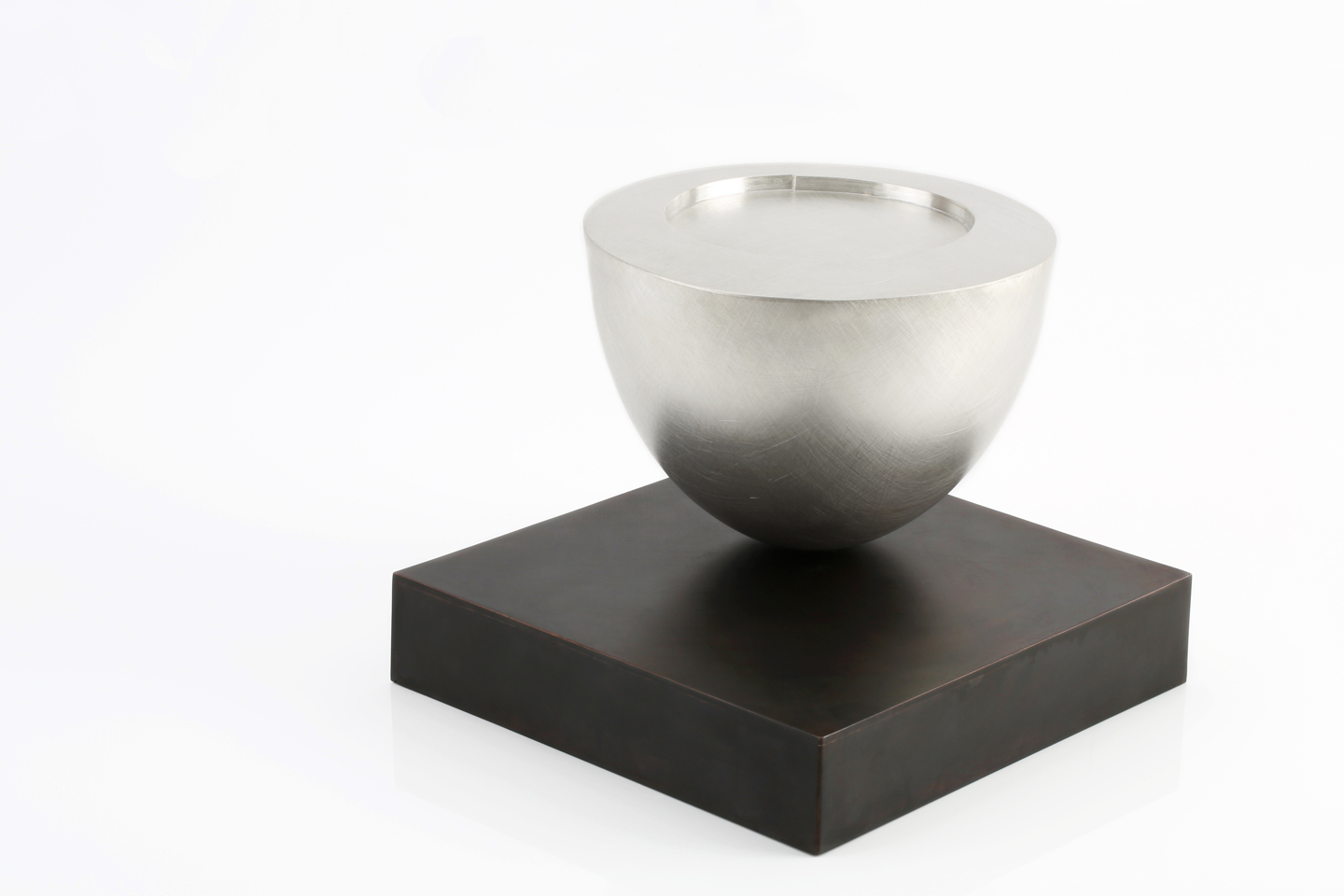 Juliette_Bigley_Balancing_Bowl_1_2_and_3_Patinated_Gilding_Metal_and_Sterling_Silver_2016_8.JPG