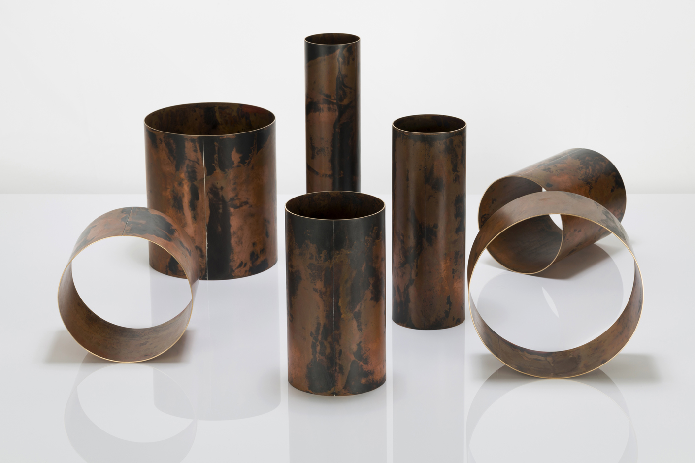 Juliette_Bigley_Cylinders_patinated_gilding_metal_2018_2.jpg