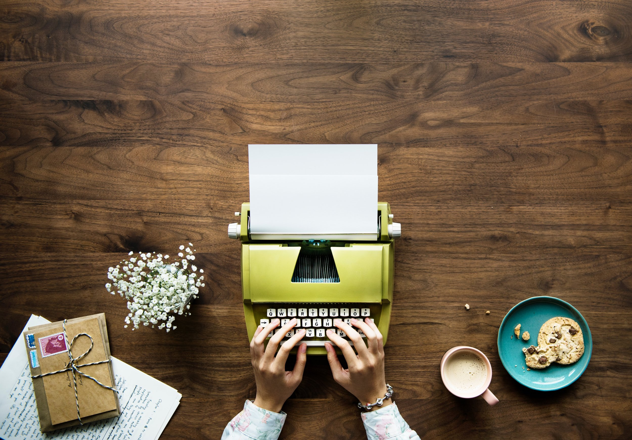 11 STEPS TO WRITE A BOOK - A beginners guide to writing and storytelling