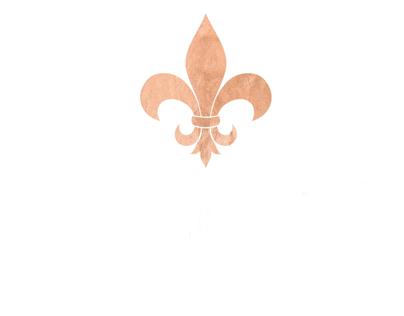 Fleur de Leigh Designs_Primary Logo_white and gold.png