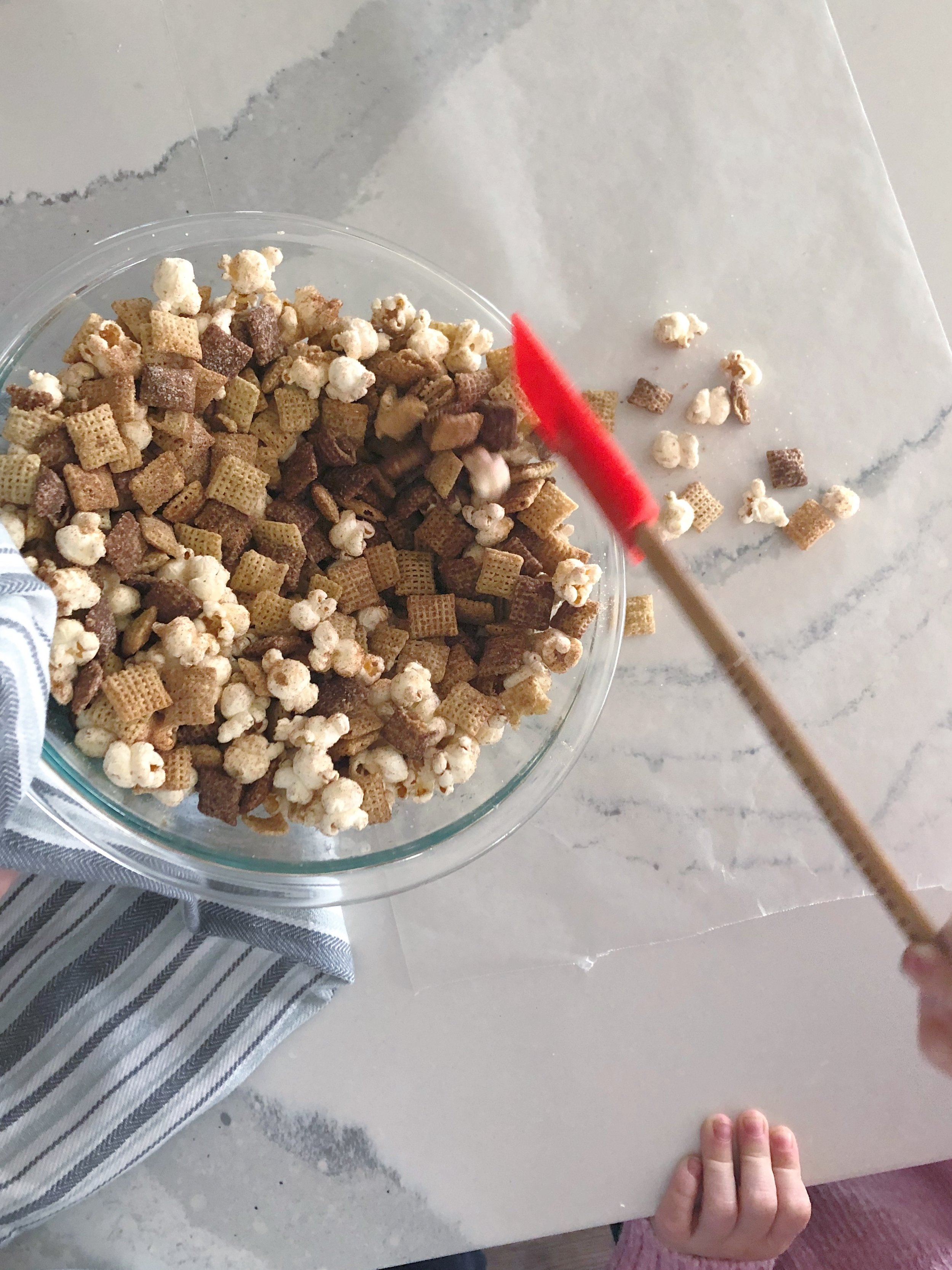 snickerdoodle-chex-mix-mixing-bowl.JPG