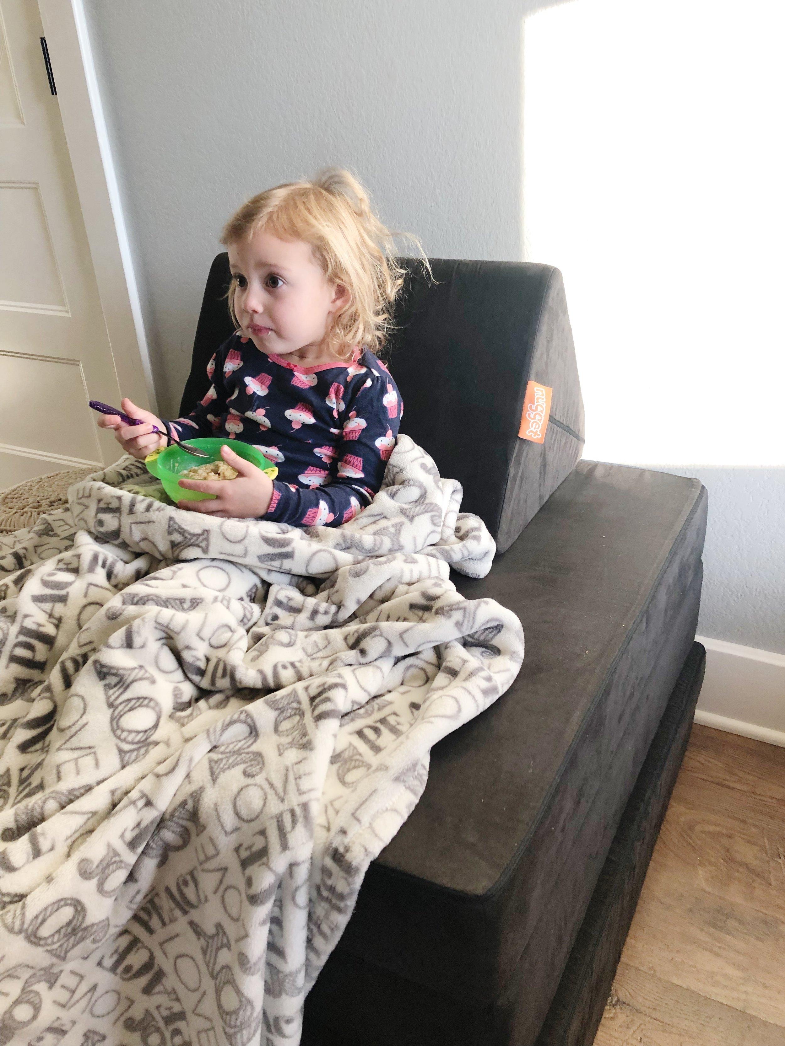 nugget-comfort-kid-eating.jpg