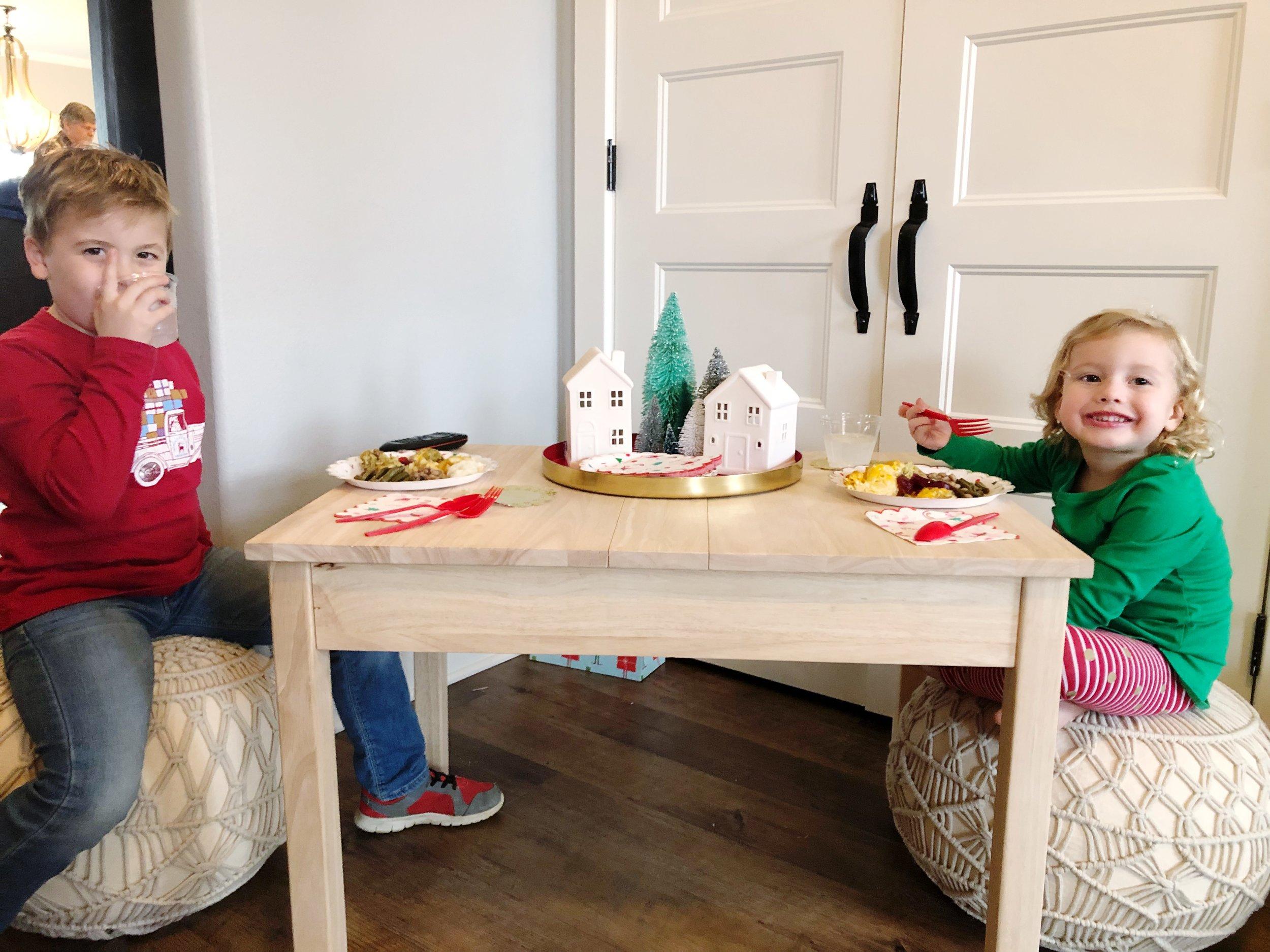playroom-christmas-table.JPG