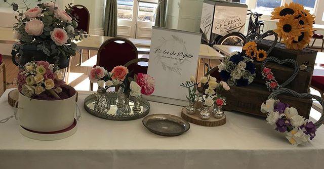 All ready for my first Wedding Fair tomorrow #paperflowers #paperart #cliffhousesalcombe #weddingflowers #weddingfair