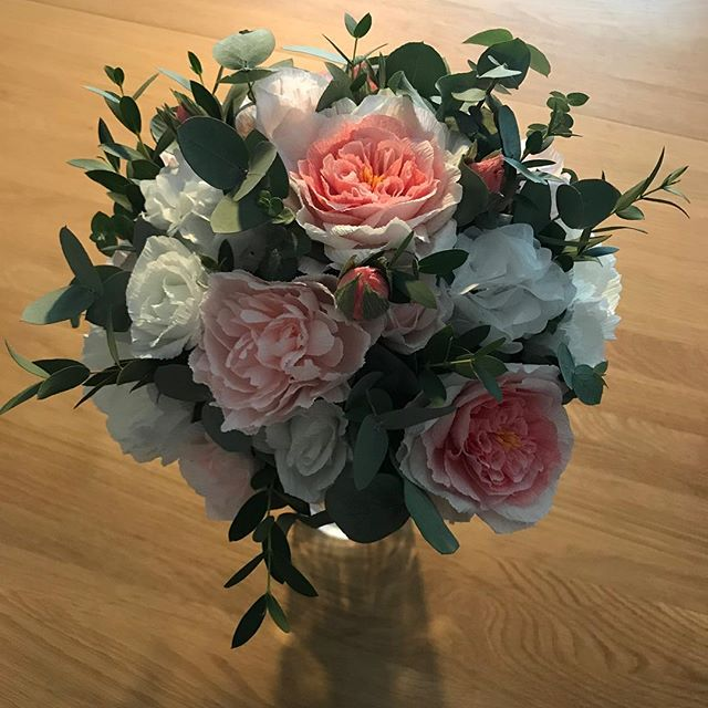 Mixture of paper flowers and real foliage put together by the wonderful Holly @hollyhocksflorist ready for my website photo shoot tomorrow