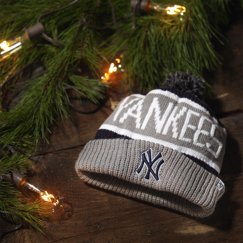 10_Yankees_CalgaryKnit_Hero2_0081_FINAL_RGB_SocialSquare.jpg
