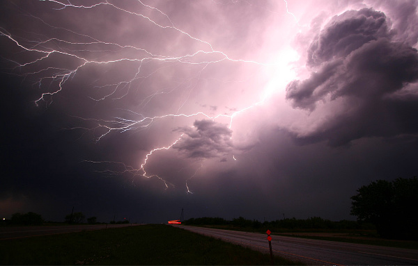 sm.lightning-1056419_1920.jpg