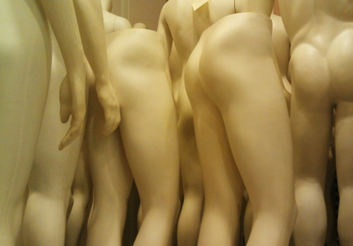 small.Mannequins.suzeneye.Morguefile.jpg