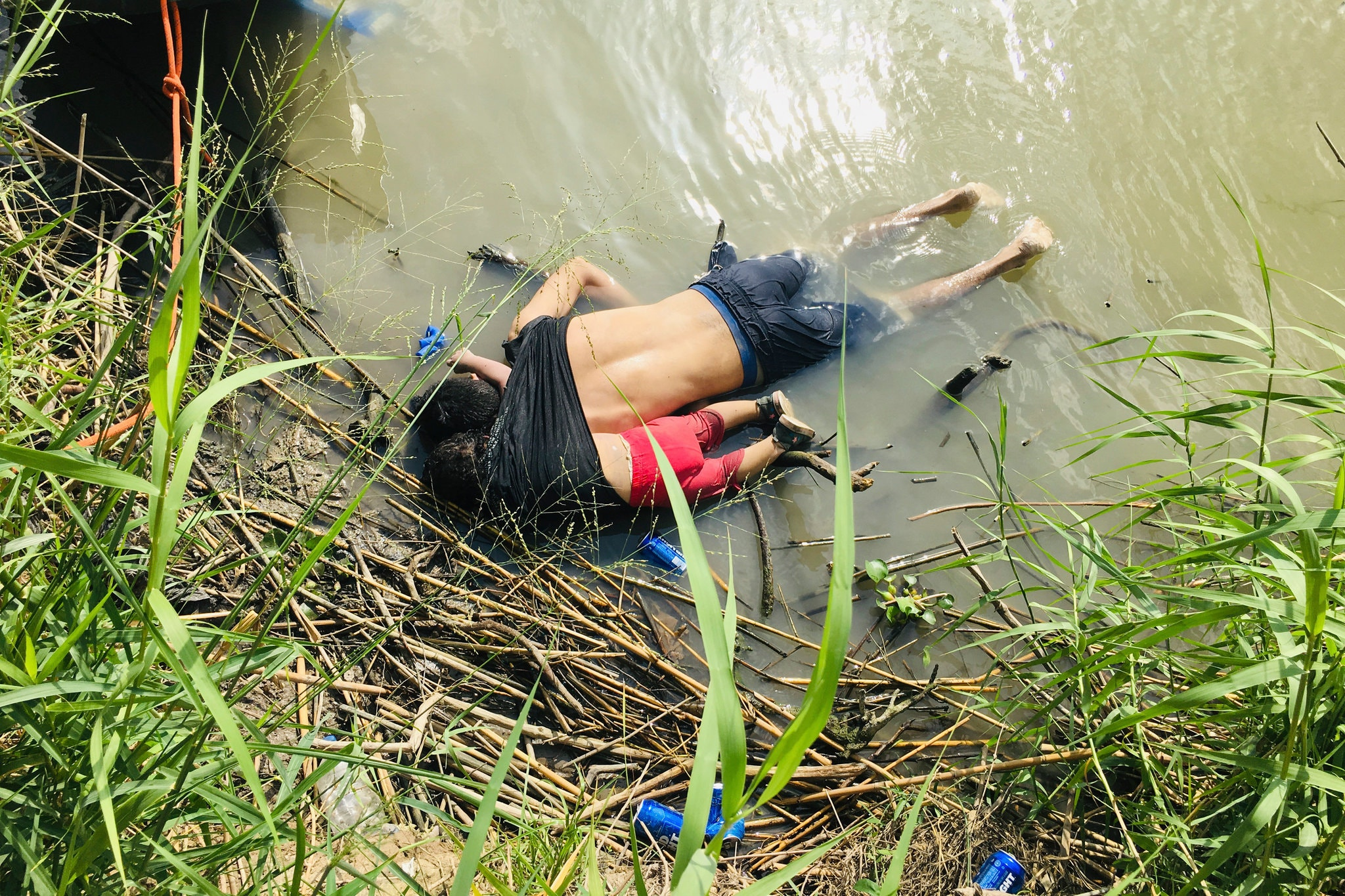 The bodies of Óscar Alberto Martínez Ramírez and his 23-month-old daughter, Valeria, were found in the Rio Grande on Monday. Credit Julia Le Duc/Associated Press