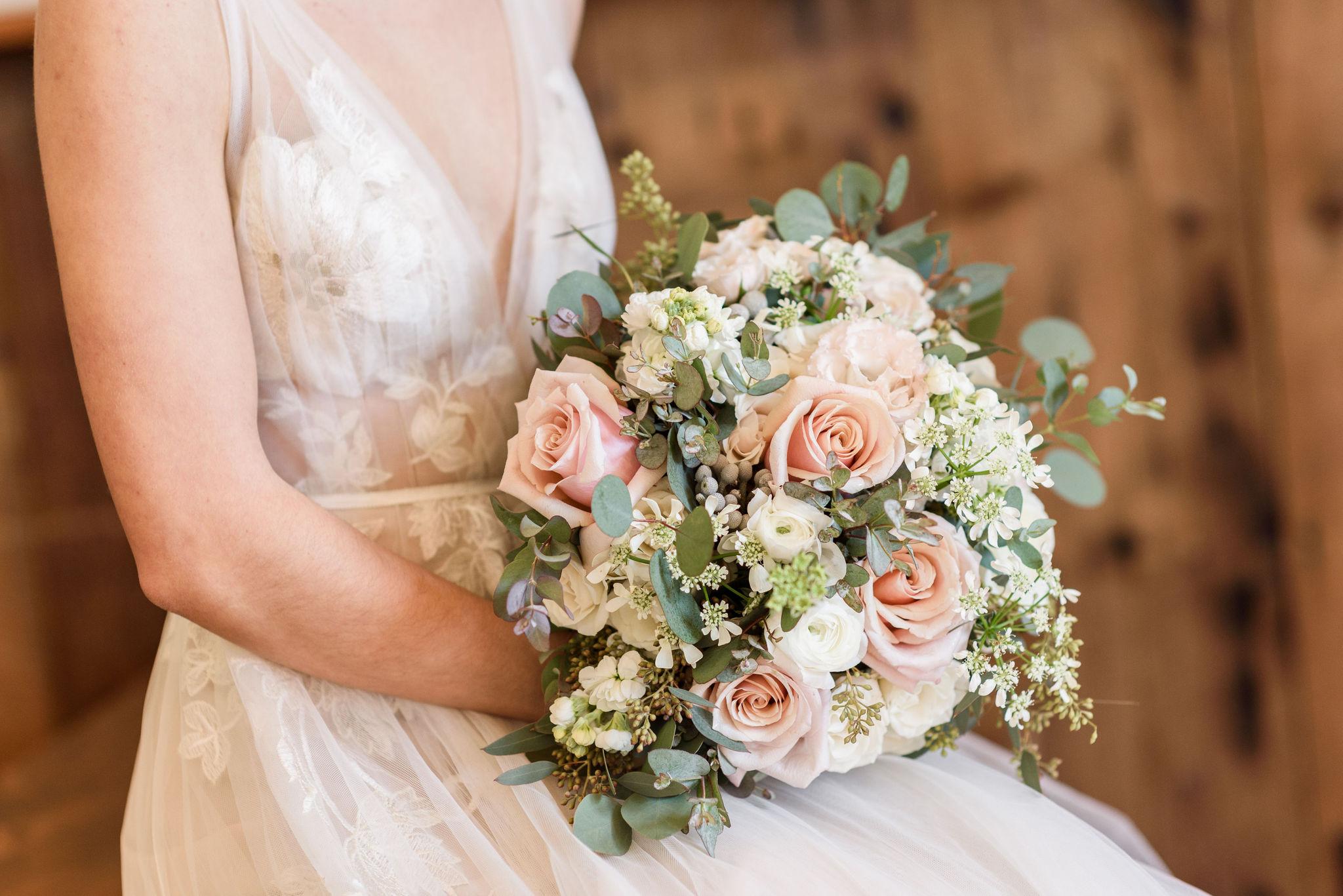 michellelynnweddings-petalcollective-stonebrook-35.jpg