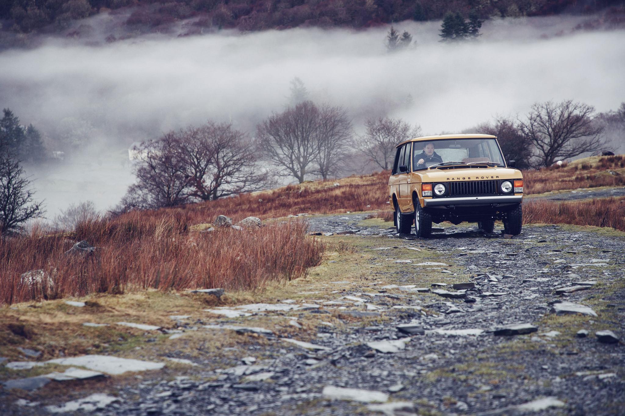 Range Rover Reborn set for world debut at Salon Rétromobile 2017