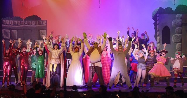 Let's give it up for the cast and crew of Shrek The Musical! #shrekatrhs @gkawards
