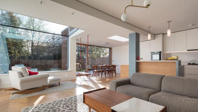 centor-casestudy-211-integrated-sliding-door-creating-a-sunny-living-space-with-a-seamless-connection-to-the-garden-02.jpg
