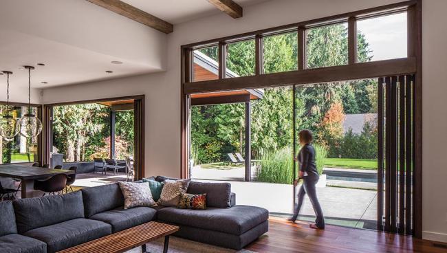 teaser-living-comfortably-with-large-glazed-doors.jpg
