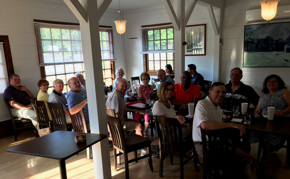 Both clubs enjoyed a dinner social at the Red Pig BBQ on Jamestown Road. Shown are Sal Trifiletti, Gisela and Jack Clark, Bryce Hinsch, John Enright, Ron Lynde, MaryAnn Fields, Neva Lynde, Jerry Fields, Meg and Mike Hendricks, Vic Holman, Melanie and Jeff Platte, Wayne Hay and Nancy Carter.