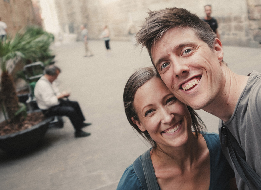 We Are Jenkinses - We are Derek & Ashley Jenkins from Kansas City, Missouri. The Lord has called us to work for His kingdom in Barcelona, so that's where we're joyfully going! We have two beautiful girls Ennelin & Areli.