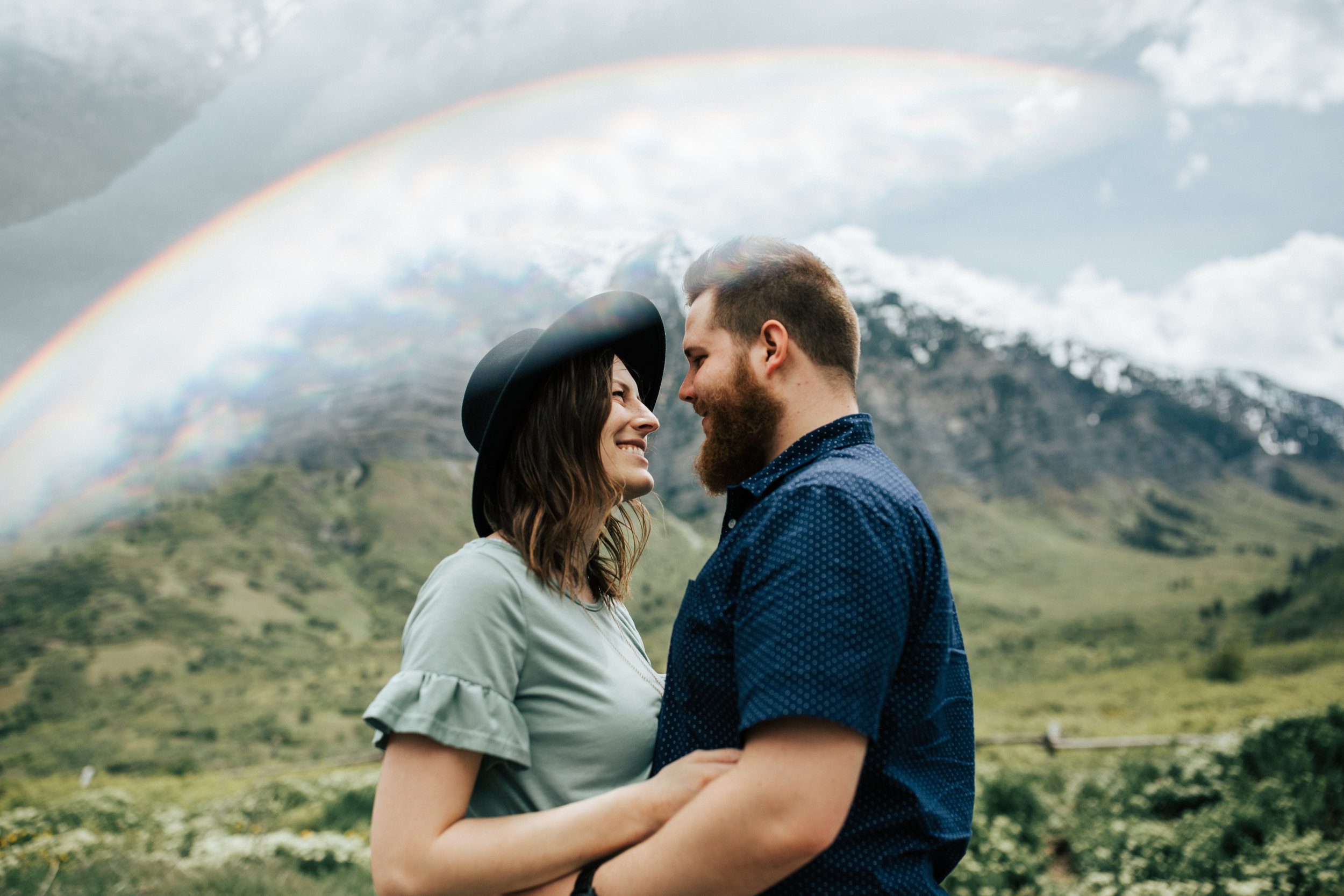 Adventurous mountain couples shoot in Utah windflower field