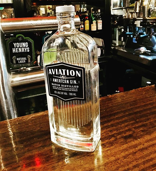 Now serving #AviationGin at Enzo and Sons!! Come in and have a taste of Ryan Reynolds own aviation gin. Rumoured to be seasoned with his blood, sweat and tears (we can only hope), Aviation Gin in the newest addition to our collection! Come in and try a glass with tonic, soda or in a martini if you dare! 🍸😉