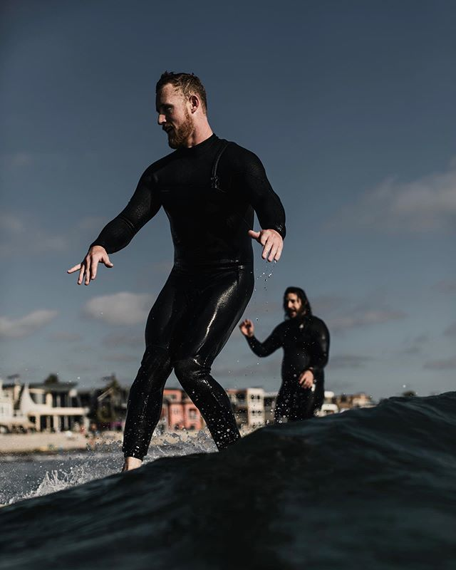 walking on water  feeling the fall vibes but still enjoying the warm water here in september. here's a lil party wave from the end of summer feat. @toob_king walking the walk 🤙🏻 #wavechase