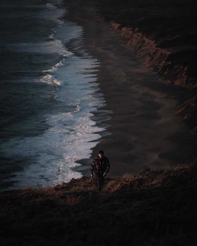 vantage point  for years i had wanted to visit this spot but what surprised me the most was seeing wildlife in such abundance along the way. @arthurtparra in frame #wavechase