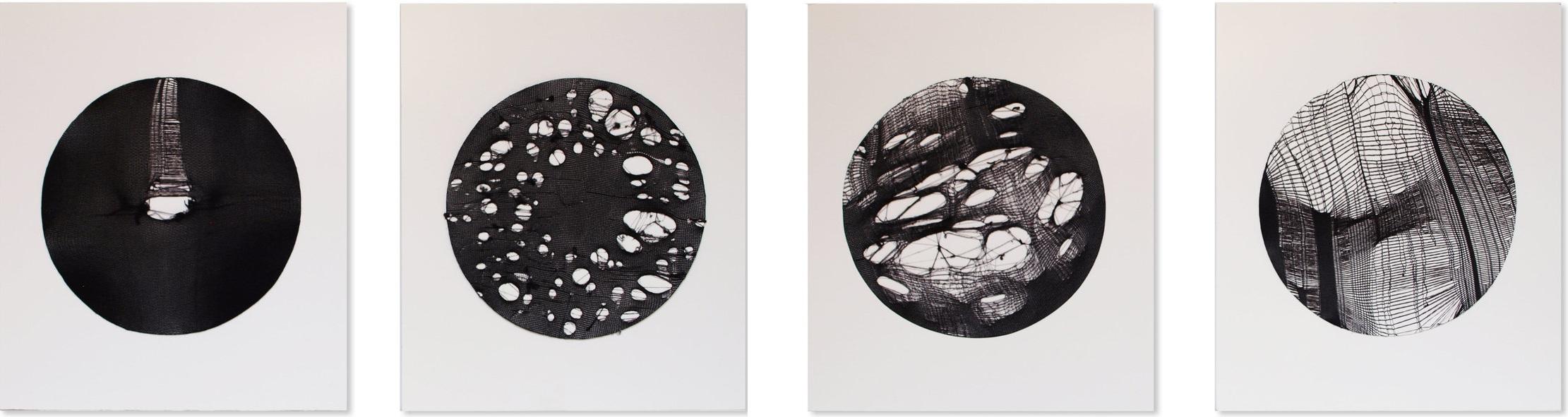 Giulia Nelli     9 months  , 2017  Collants noirs  35 cm x 135 cm (35 cm x 30 cm chacune)