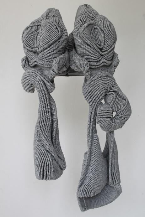 Xavier Brisoux     ASCLÉPODAMIE,   2018  Coton, polyester  70 cm x 33 cm