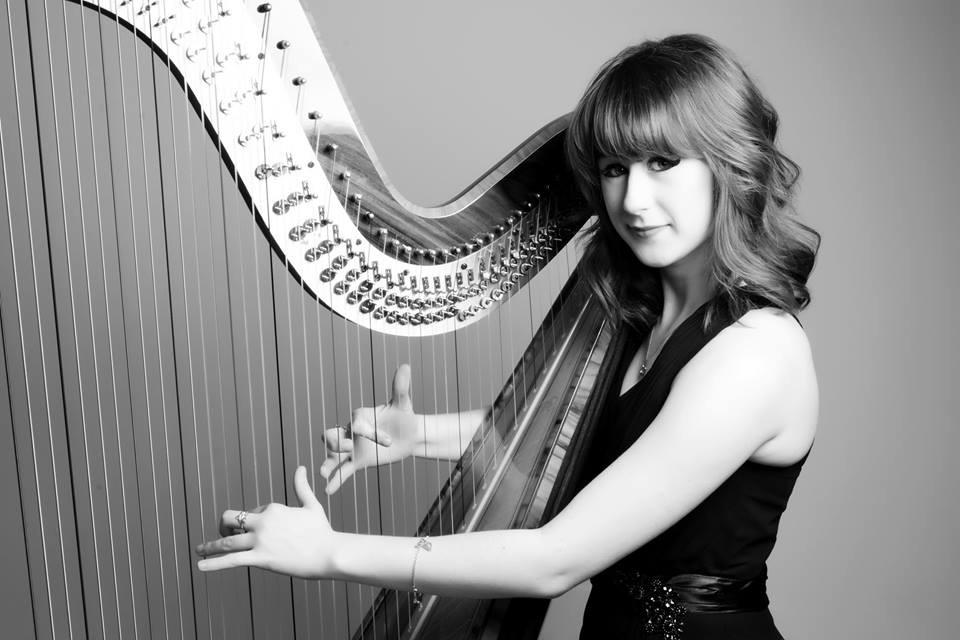 Harpist, Catrin