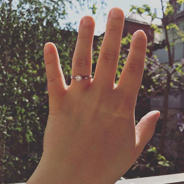 Vor einigen Wochen ises passiert... unfassbar glücklich und schon voll drin in den Vorbereitungen!❤️💍👰🏻🤵🏼#engaged #bridetobe #heputaringonit #love #wedding #mrandmrs #wurstfinger #shesaidyes #hesaidyes #stuttgart #0711 #wedding2019 #engagementring #ring #throwback #party #happiness #bestmanonearth