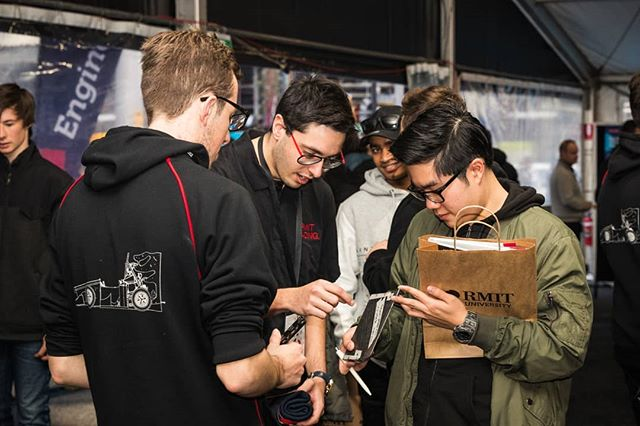 Was great to see many potential engineers coming over and checking out R17c and learning about the team during last Sunday's RMIT Open Day. Hope to see some of you as students of RMIT and as part of our team in the future. The more people, the better we work as a team. 💪 📷 @callumgibbens  #rmitopenday #formulasae #formulasaeaustralasia #formulastudent #fsae #engineering #design #manufacturing #motorsport #rmit #rmituniversity