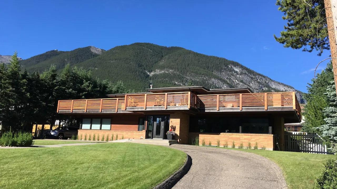 Banff Estate Home - 5 mins walk from Banff Springs Hotel