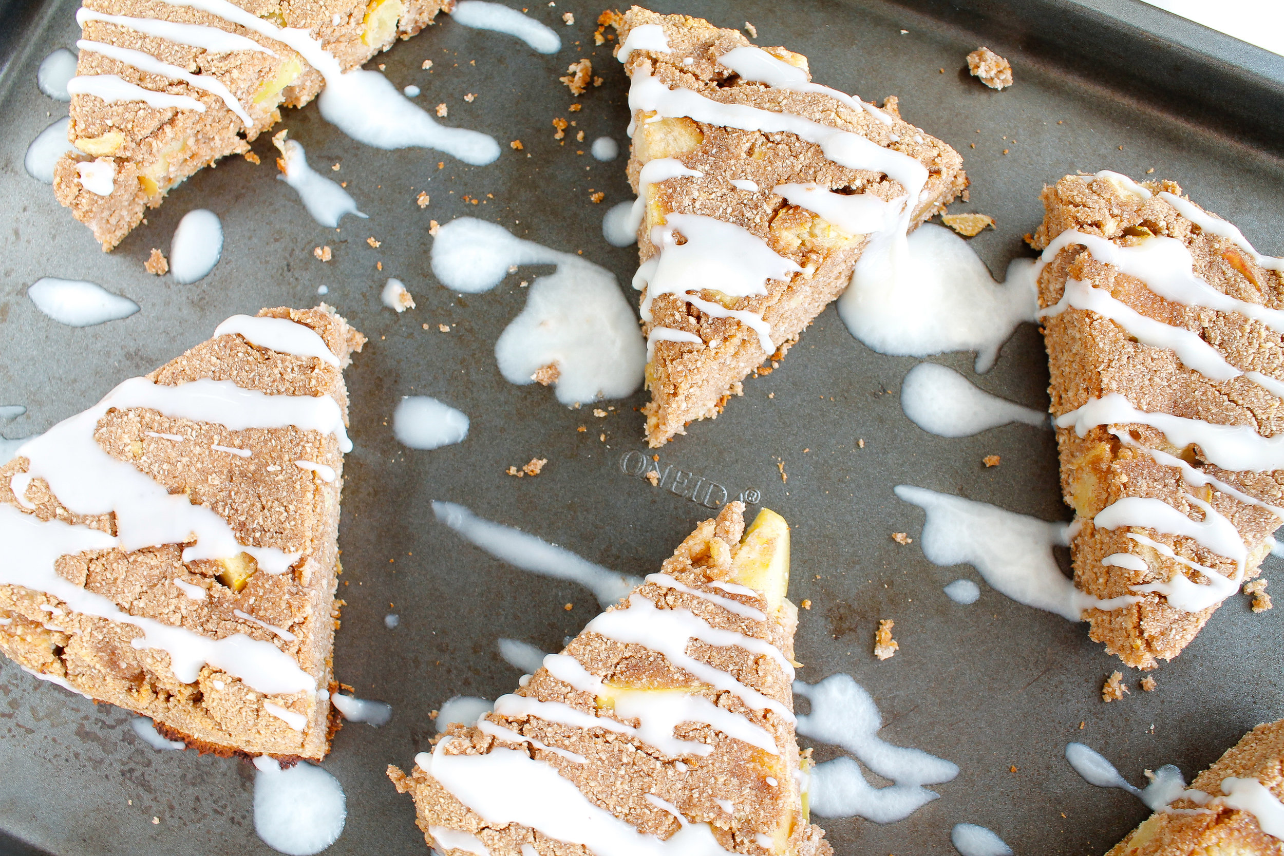 PALEO APPLE CINNAMON SCONES