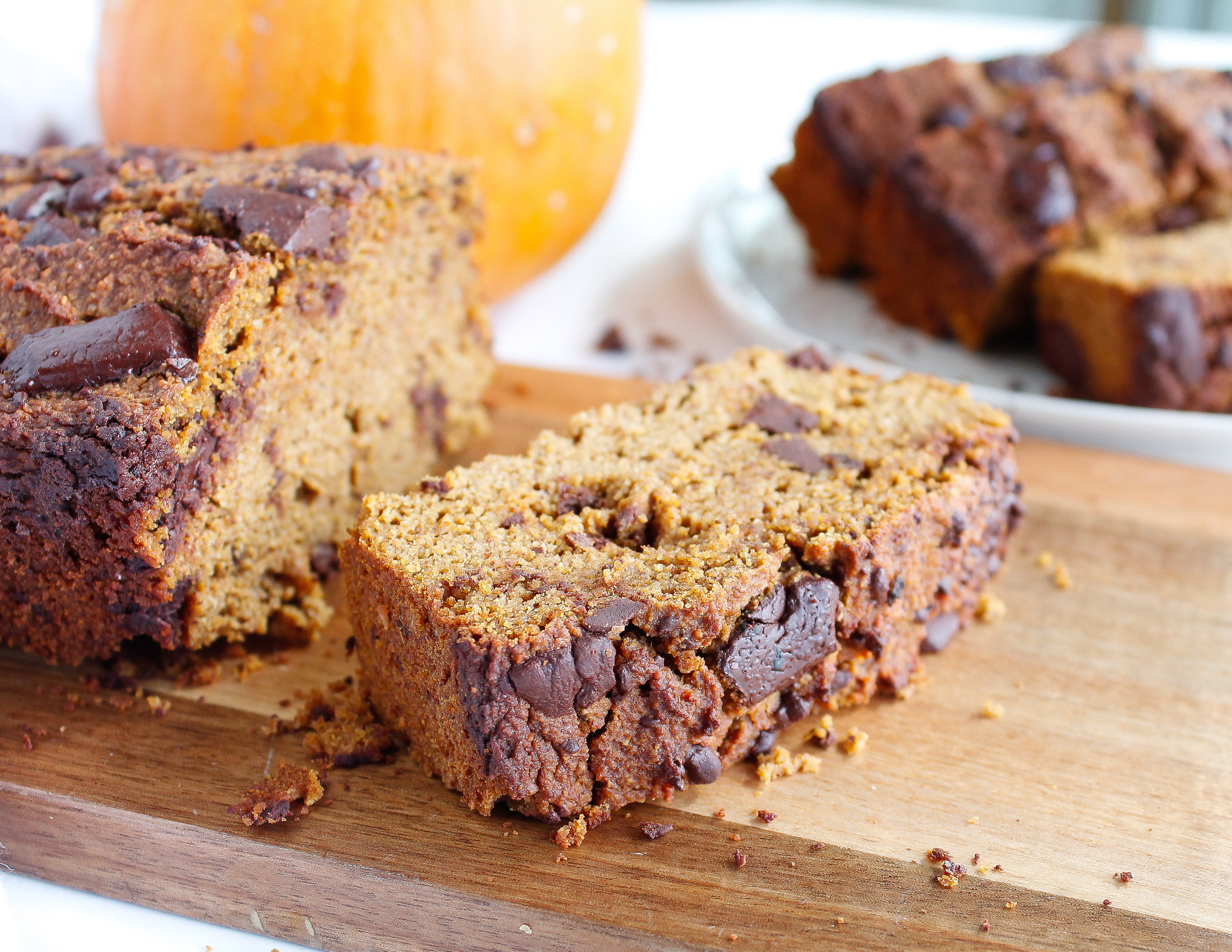 This paleo chocolate chip pumpkin bread is the perfect fall recipe! It makes for a great healthy snack, healthy breakfast or even healthy dessert! It's grain free, gluten free, dairy free AND refined sugar free, also making it a great allergy friendly recipe. Click through the try the recipe for yourself! #paleo #paleobaking #fallrecipes