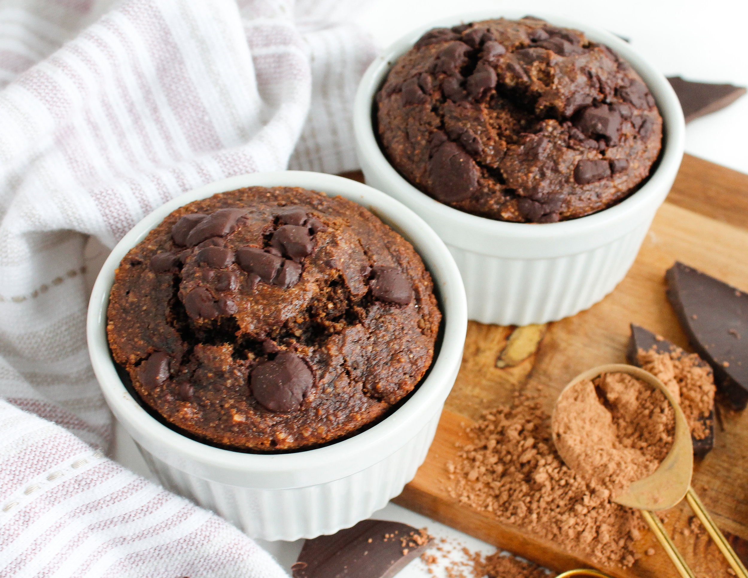 double serve mini paleo chocolate banana bread || These mini chocolate banana breads are grain free, gluten free, dairy free AND refined sugar free! Made with wholesome, REAL ingredients, it's sure to nourish your body and satisfy your sweet tooth. The perfect healthy breakfast, snack or dessert. #paleobananabread #bananabread #cacaobananabread #chocolatebananabread