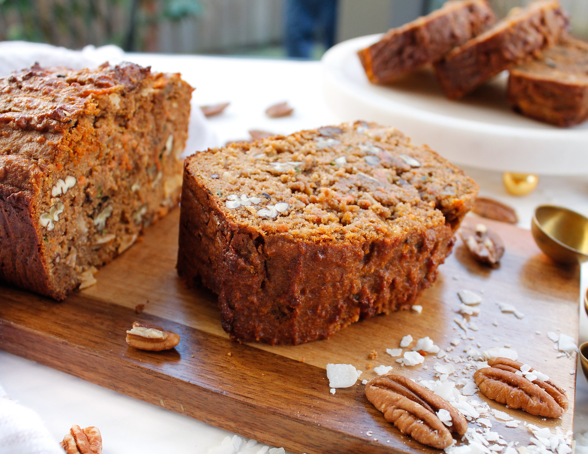 grain free morning glory bread || This paleo morning glory loaf is grain free, gluten free, dairy free, refined sugar free AND Specific Carbohydrate Diet friendly! Made with wholesome, REAL ingredients, it's sure to nourish your body and satisfy your sweet tooth. The perfect healthy breakfast, snack or sweet treat! #paleobread #specificcarbohydratediet #scddiet #paleoloaf