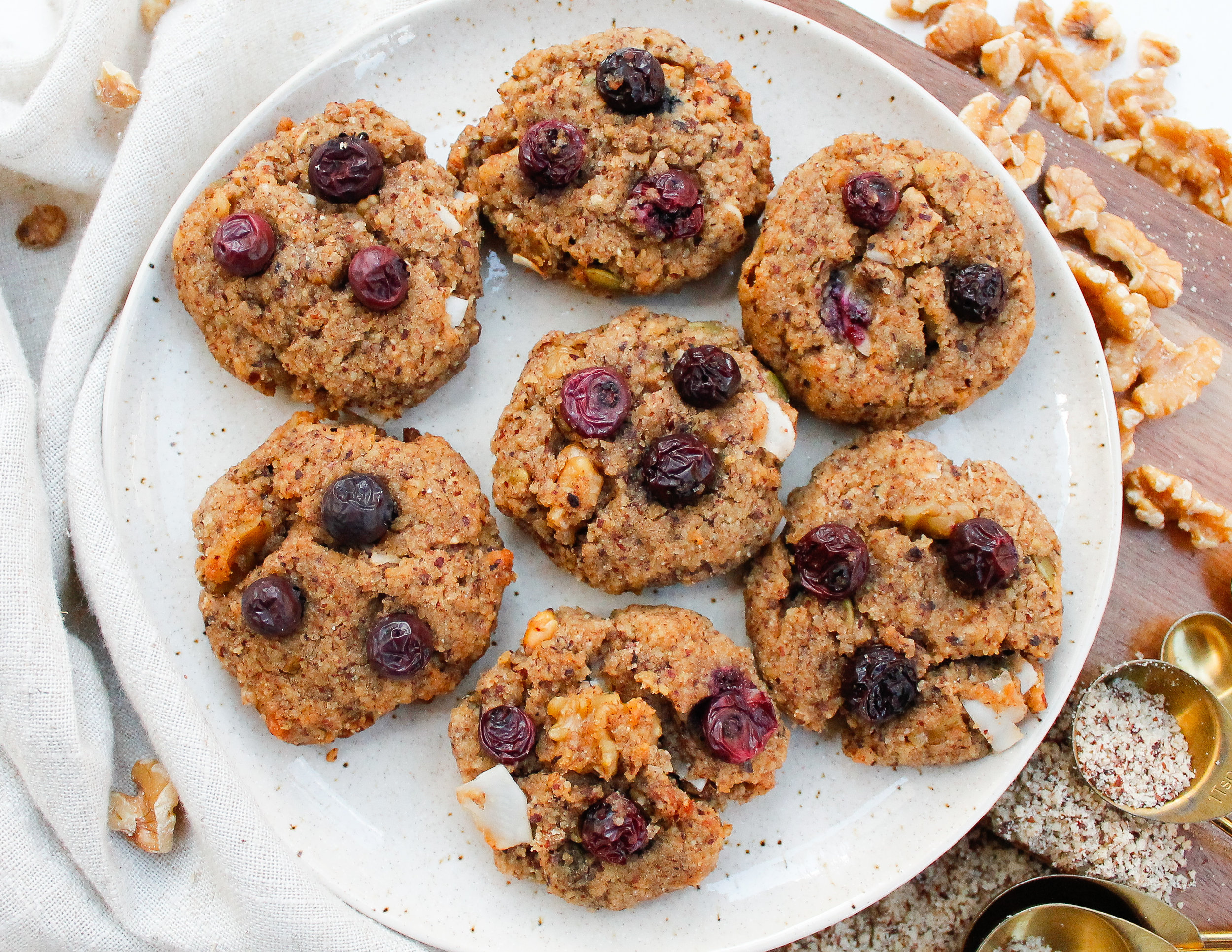 Loaded Paleo Breakfast Cookies || These paleo breakfast cookies are full of healthy goodies and wholesome ingredients like hazelnut flour, nuts, coconut, blueberries and more! They're grain free, gluten free, dairy free, refined sugar free AND Specific Carbohydrate Diet friendly!! They're a perfect healthy breakfast, healthy sweet treat or healthy snack. Click through for the full recipe! || plentyandwell.com || #breakfastcookies #paleocookies #paleobaking #SpecificCarbohydrateDiet