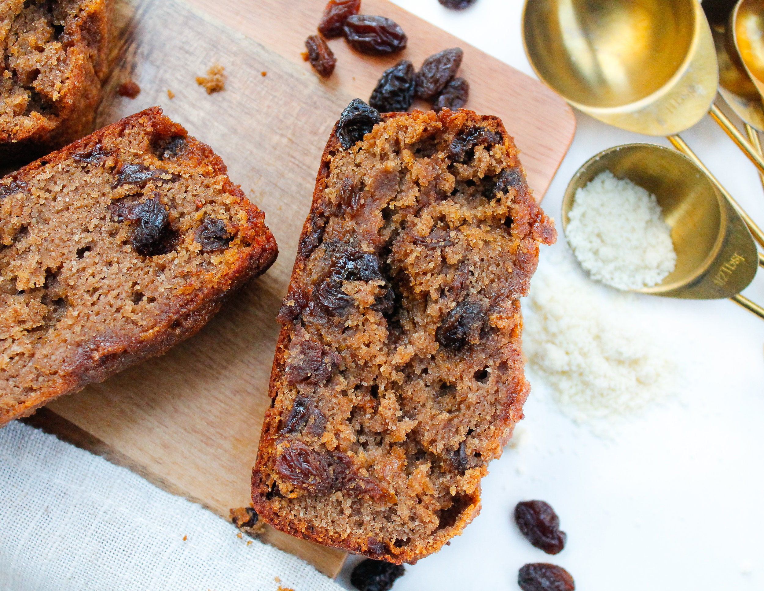 Paleo Cinnamon Raisin Bread || This paleo cinnamon raisin bread is the perfect twist on a classic favorite! It's grain free, gluten free, dairy free, refined sugar free AND Specific Carbohydrate Diet friendly. Made from wholesome, real ingredients it's perfect for any time of day. #specificcarbohydratediet #paleobaking #paleobread
