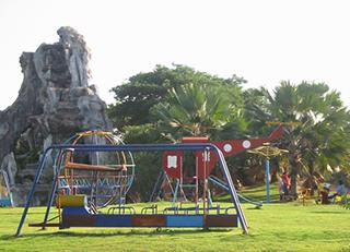 playground_4846349937_o.jpg