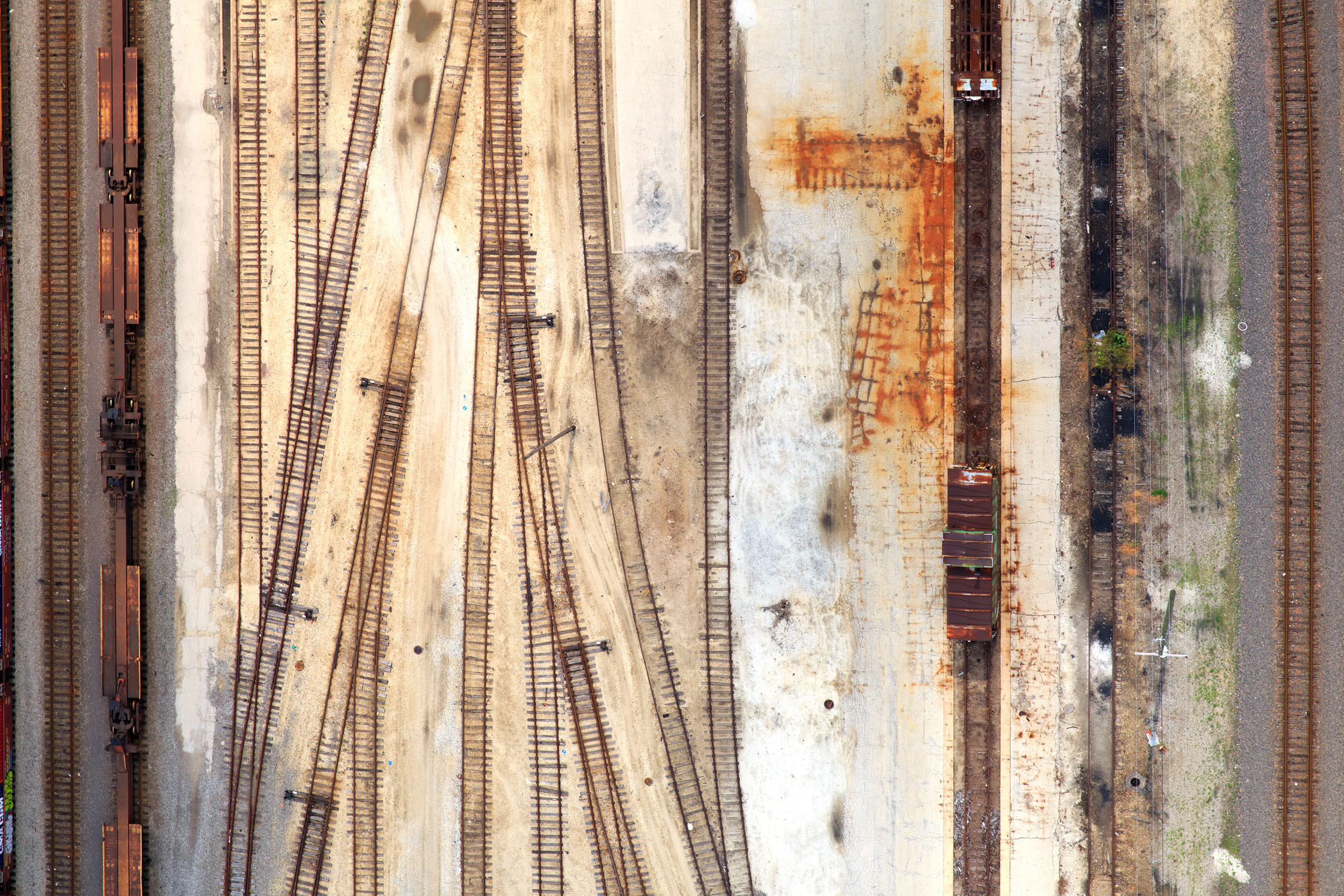 Tom Lamb, Brush Strokes, Railyards, Chicago, Il, 2015 30 x 24 inches Aerial Photography