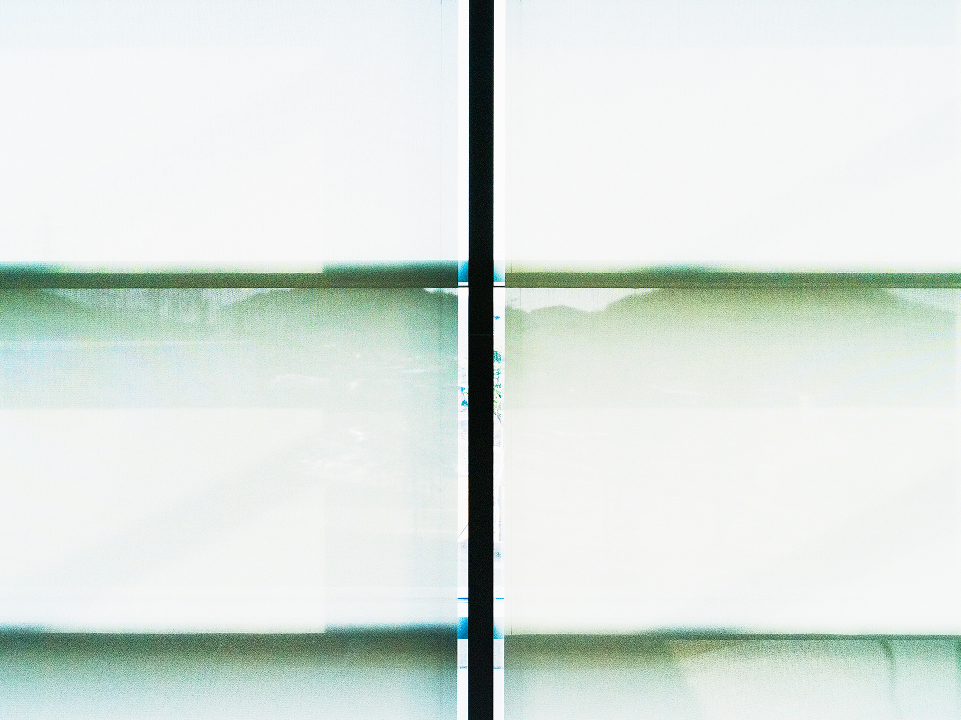 Light Flow : lf, Oi-43   pigment print, diasec, framed  65 x 87cm, 2015