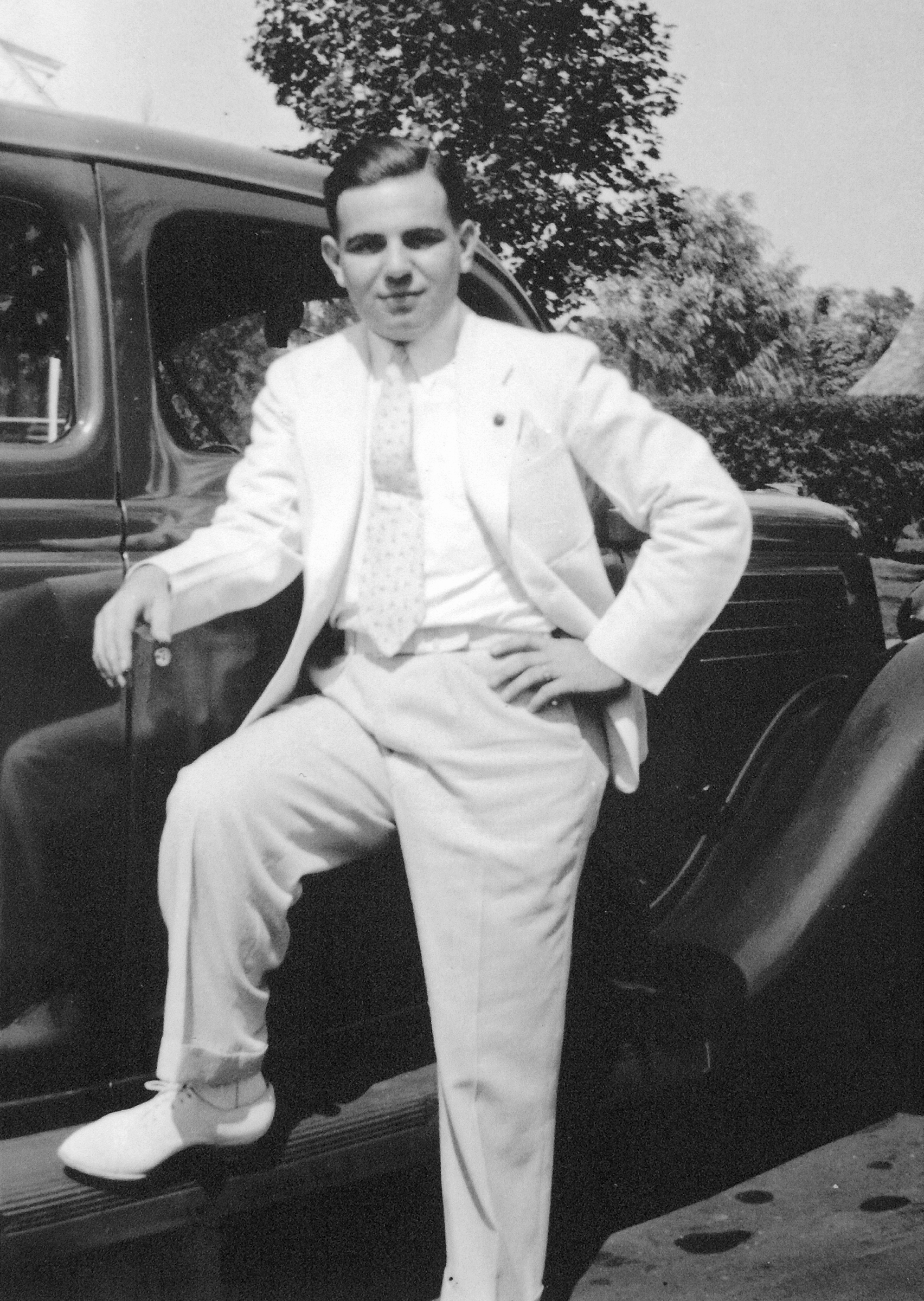 Kurt arriving in South Bend, 1930