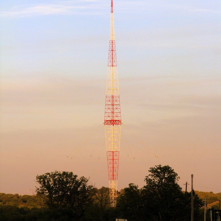 Radio Tower Brentwood.jpg