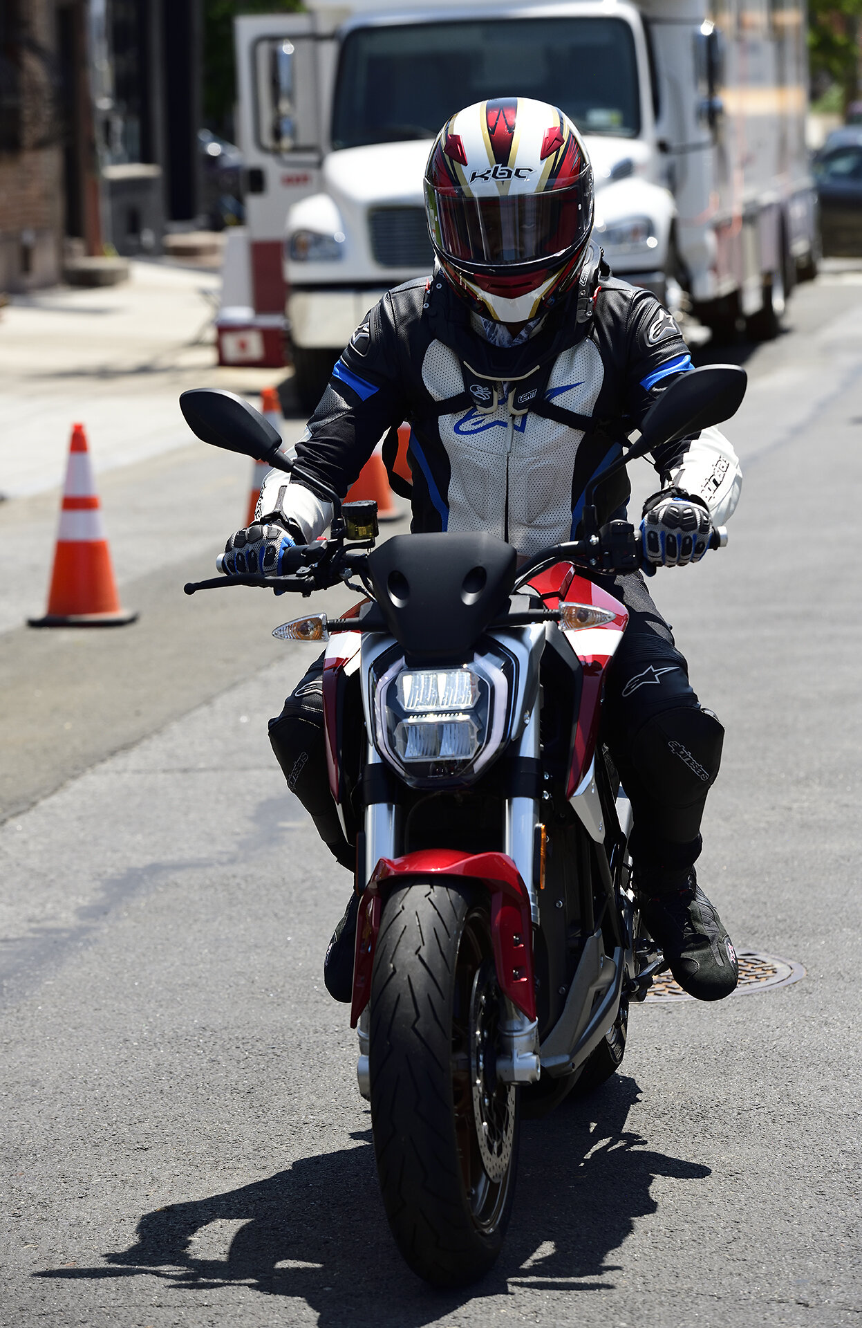 motomarket3_034.jpg