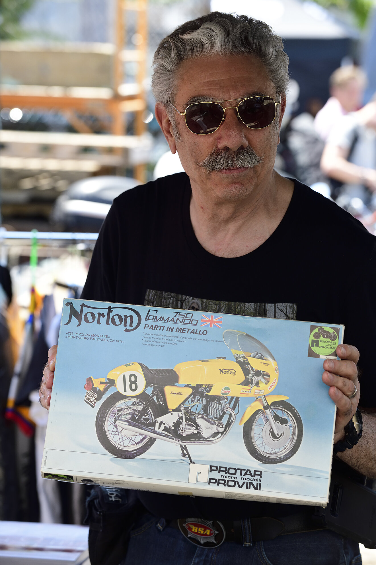 motomarket3_043.jpg