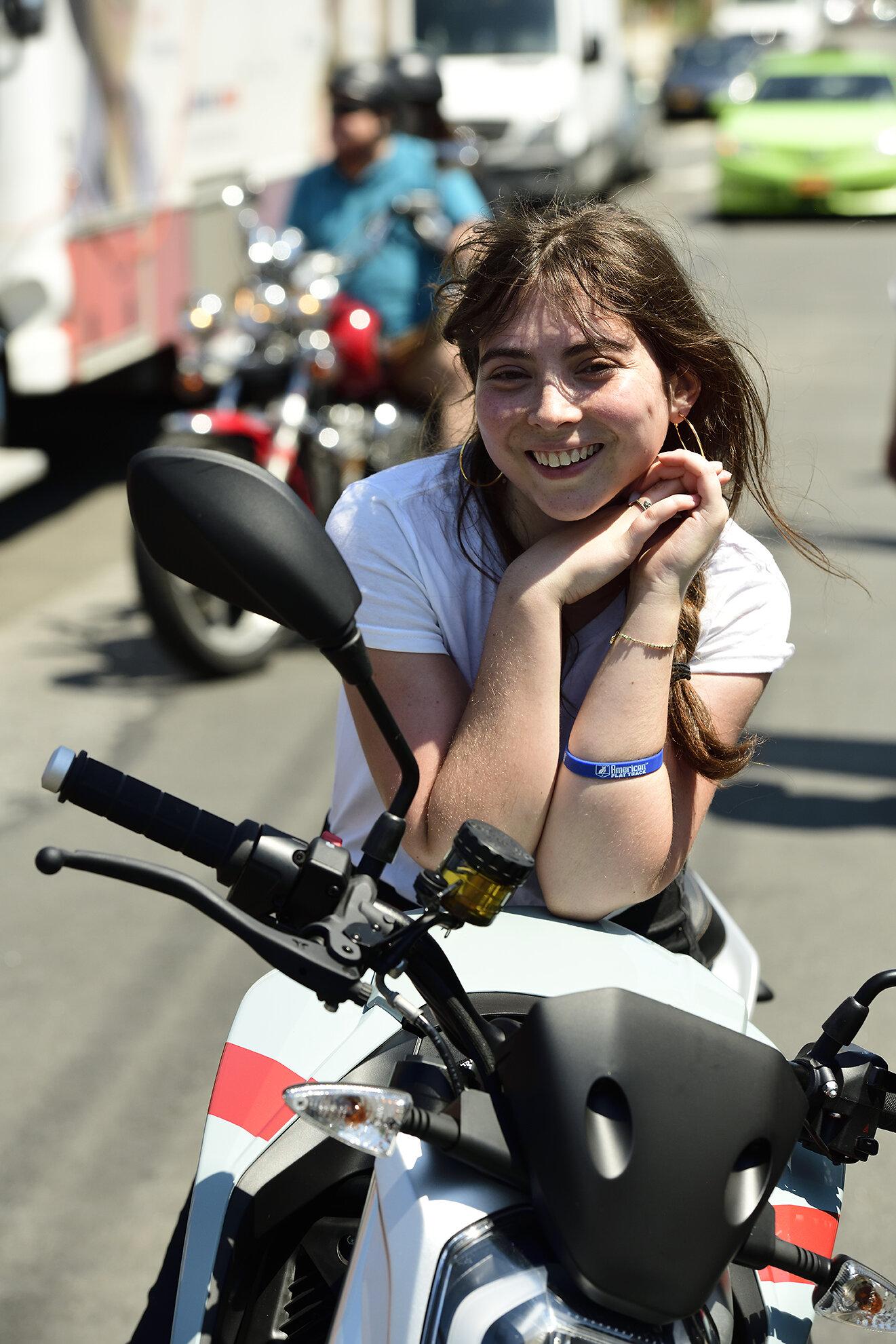 motomarket3_101.jpg