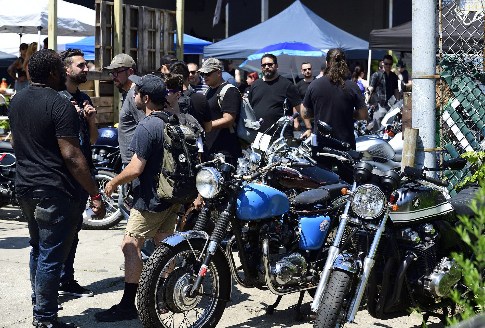 motomarket3_103.jpg