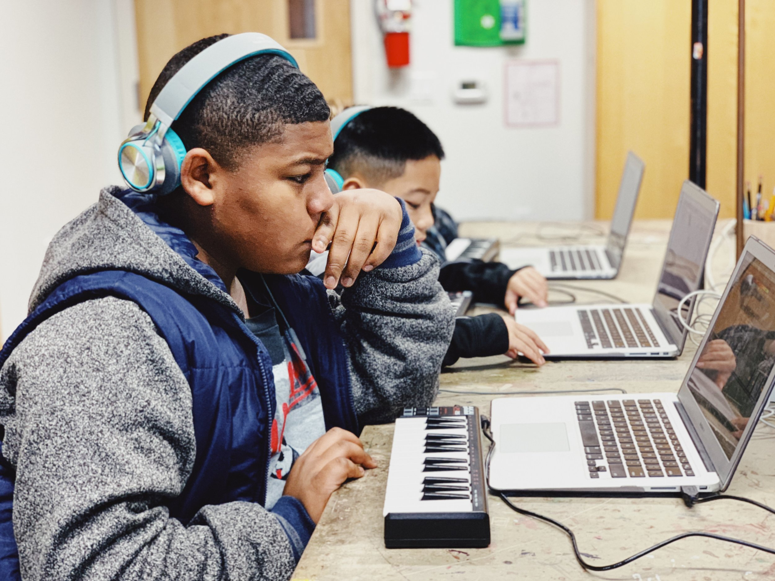 ALL STUDIO CLASSES ARE PAY-WHAT-YOU-CAN! - Studio Classes are hands-on, project-based, 20-hour courses with professionals in creative fields for youth aged 10-15.