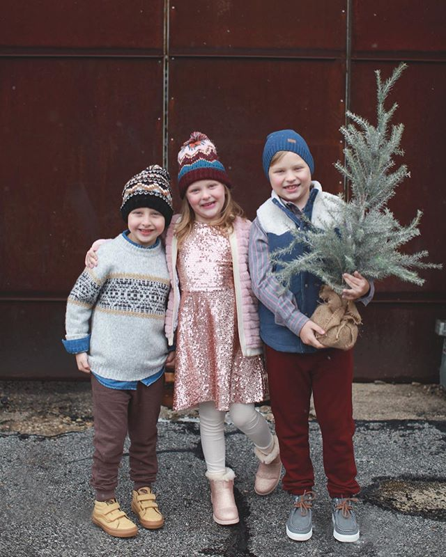 Merry Christmas Eve! Probably my favorite day of the year every year. These three get to spend the day playing with my sister's kiddos and we love that they are all growing up together just like we always dreamed they would. We finally got to the stage where they play all day and only need us for food breaks ... it's pretty dreamy . . . . . #momlife #mommylife #macmiastyle #macandmiastylist #stylediaries #ootd #thatsdarling #letthembelittle #motherhoodunplugged #childhoodunplugged #momtogs #momswithcameras #kidswithstyle #candidchildhood #lovelysquares #uniteinmotherhood #motherhood #styleblogger #babystyle #mompreneurs #girlboss #entrepeneurlife