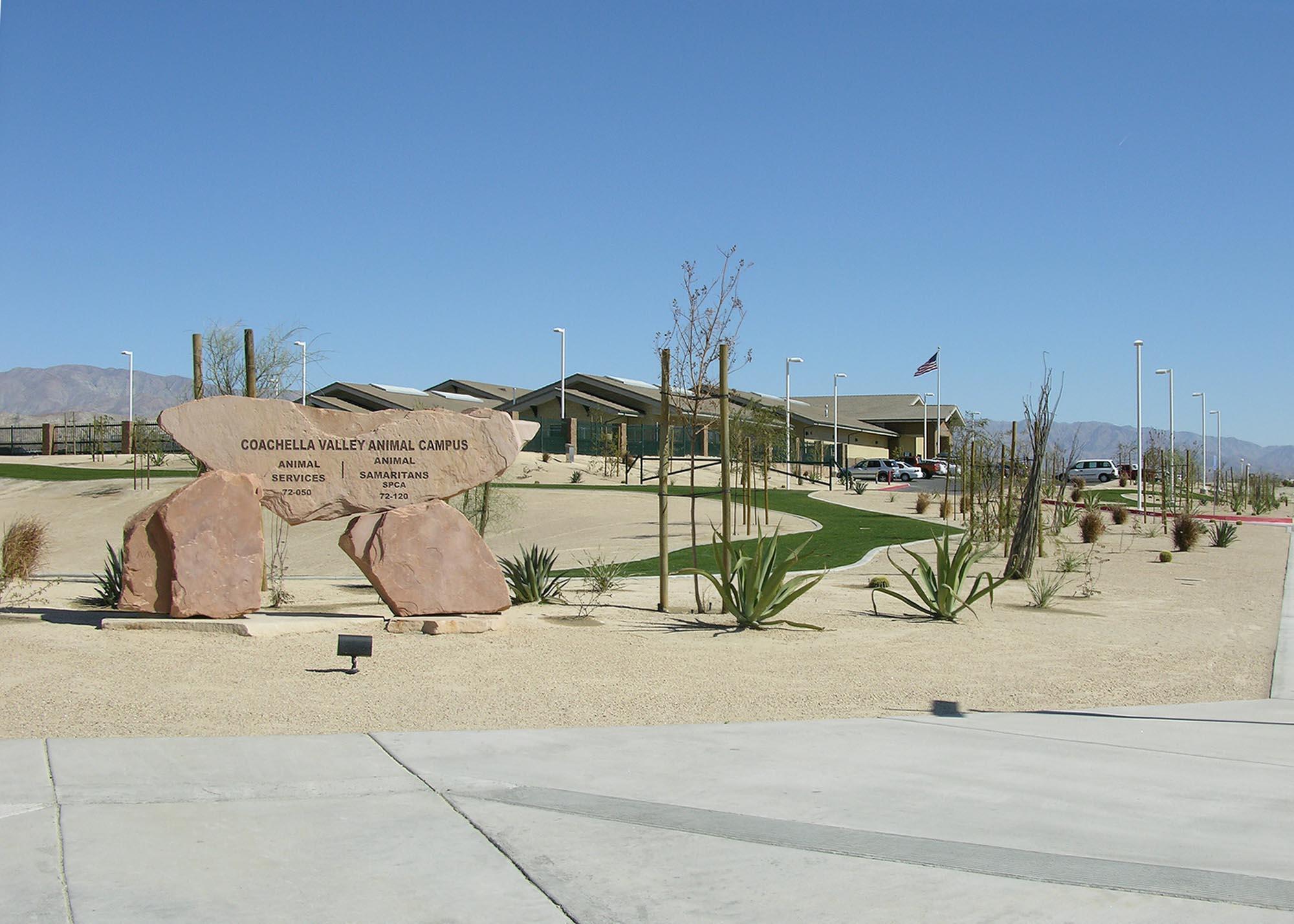 Coachella-Valley-Animal-Campus03.jpg