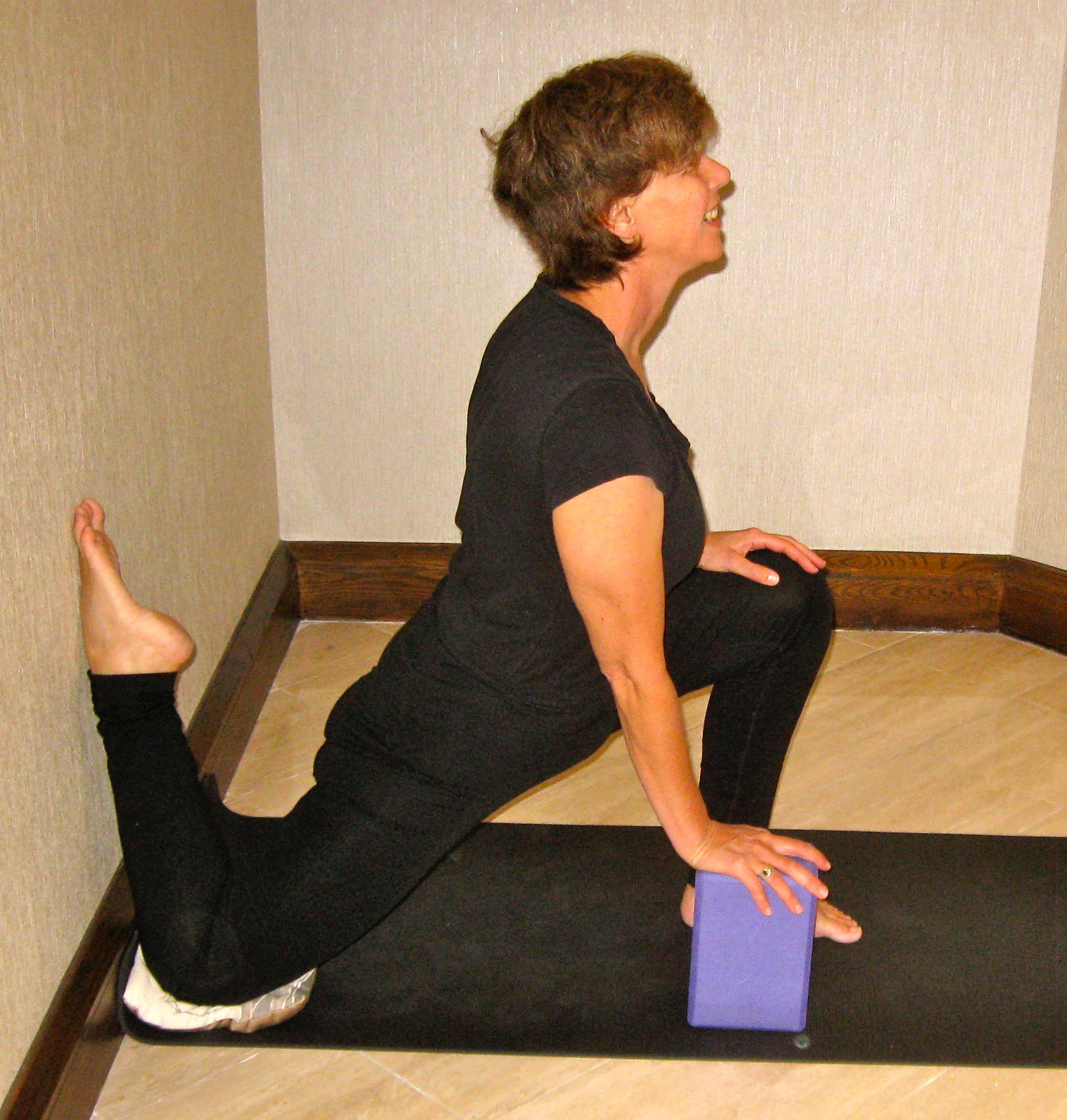 Lunge with shin up wall & block.jpg